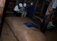 A helyi kutatók szerint ezt az alagútban talált kősziklát agyagból készítették több ezer évvel ezelőtt.