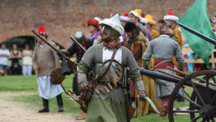 Törökkori hadijátékot tartanak Tatán