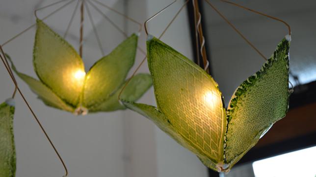 Melchiorri zöld levelekből készített lámpaernyője